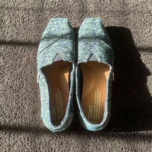 Blue Denim Washed Colored Toms. Size W5.5